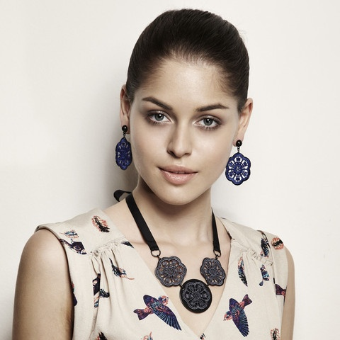 Richelieu Collection - Triplet Lace Daisies Necklace, Daisy Lace Earring