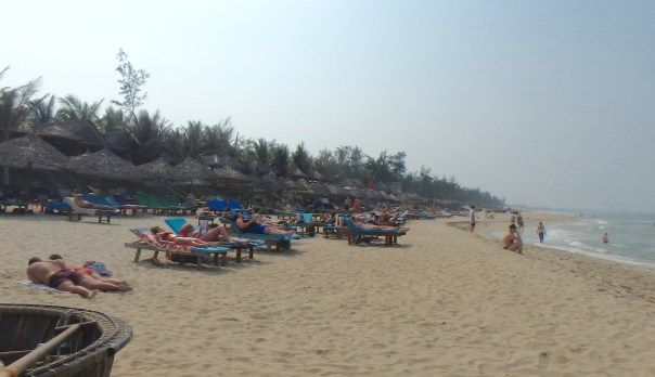 An Bang is Hoi An's main beach. It's popular all year round with locals and tourists alike.