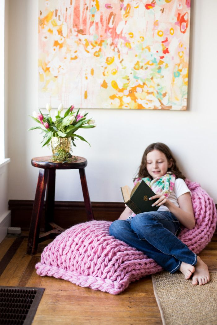 Lounger Arm Knit Pillow Pattern by Anne Weil of Flax