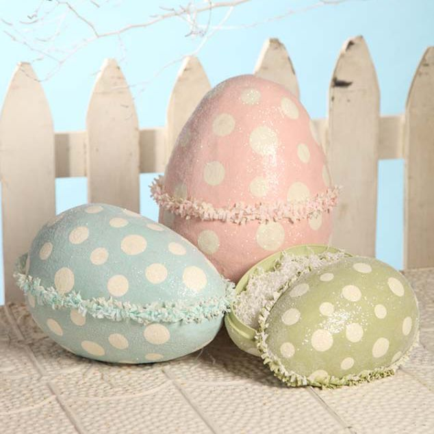 Spotted Egg with Paper Ruffle from Bethany Lowe Designs