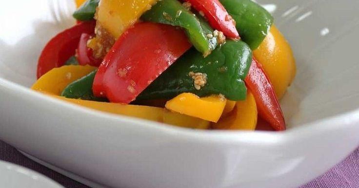 赤・黄・緑のきれいな彩りのナムル。 美味しい「手作りナムルのたれ」で、ちょっとイタリアンみたいなナムルです。 簡単です。