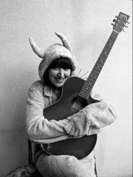 Community Post: 22 Reasons Karen O Is An Inspirational Rock Goddess