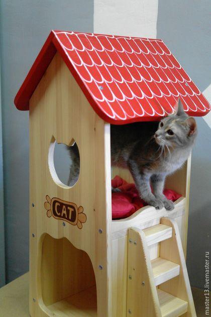 Купить или заказать Домик для кошки деревянный в интернет-магазине на Ярмарке Мастеров. Домик для кошки. Изготовлен из натурального дерева (сосна). Домик для кошки имеет размер в высоту 82см, в основании 33х35см. Первый этаж - столовая, второй этаж - спальня. Лесенка может монтироваться как справа так и слева от домика для кошки. Матрасик входит в комплект поставки. Есть точно такой же дом для кошки, но без покраски. .