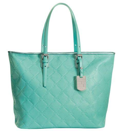 """W propozycjach marki Longchamp na lato 2014 są torebki, buty i ubrania w kolorach pięknego lazuru i głębokiej laguny. Cała letnia kolekcja Marki Longchamp inspirowana jest podróżami i zatytułowana jest """"Escales"""", czyli przystanki.   #GaleriaMokotów #galmok #longchamp #moda #summer #2014 #new #fashion #beauty #musthave"""