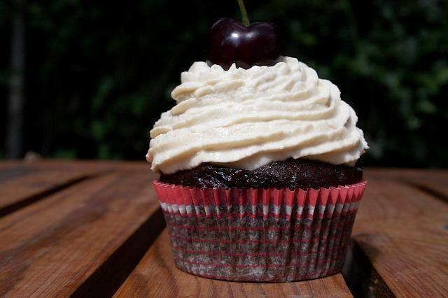 Cupcakes ciliegie e anice stellato – Vegan blog – Ricette Vegan – Vegane – Cruelty Free