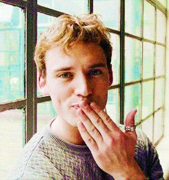 I got Sam Claflin! Which British Actor Is Your Soulmate Based On Your Zodiac Sign? eh.... he's CUTE though