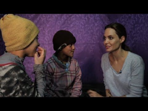 Published on Mar 27, 2014 EXCLUSIVE: UNHCR Special Envoy Angelina Jolie visits Syrian refugees in Lebanon. More from CNN at http://www.cn...