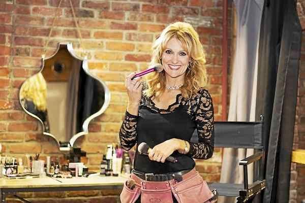 Professional makeup artist Karen Siat of Mentor recently opened Sparkle & Shine, a makeup studio in the Matchworks Building in Mentor.