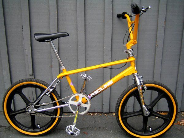 1988 Redline RL-20II - BMXmuseum.com Redline put out some nice bikes too... I would have no trouble rocking this bike..