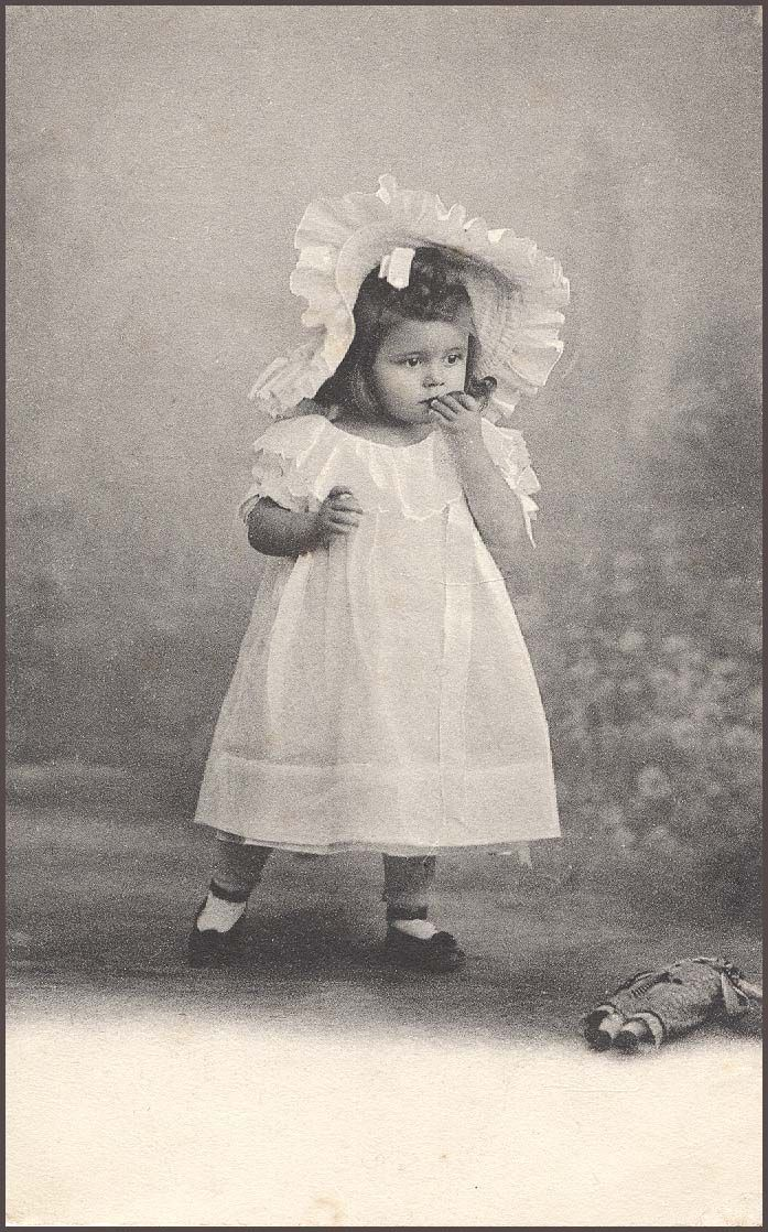 vintage photo baby - I love the informal nature of this photo!