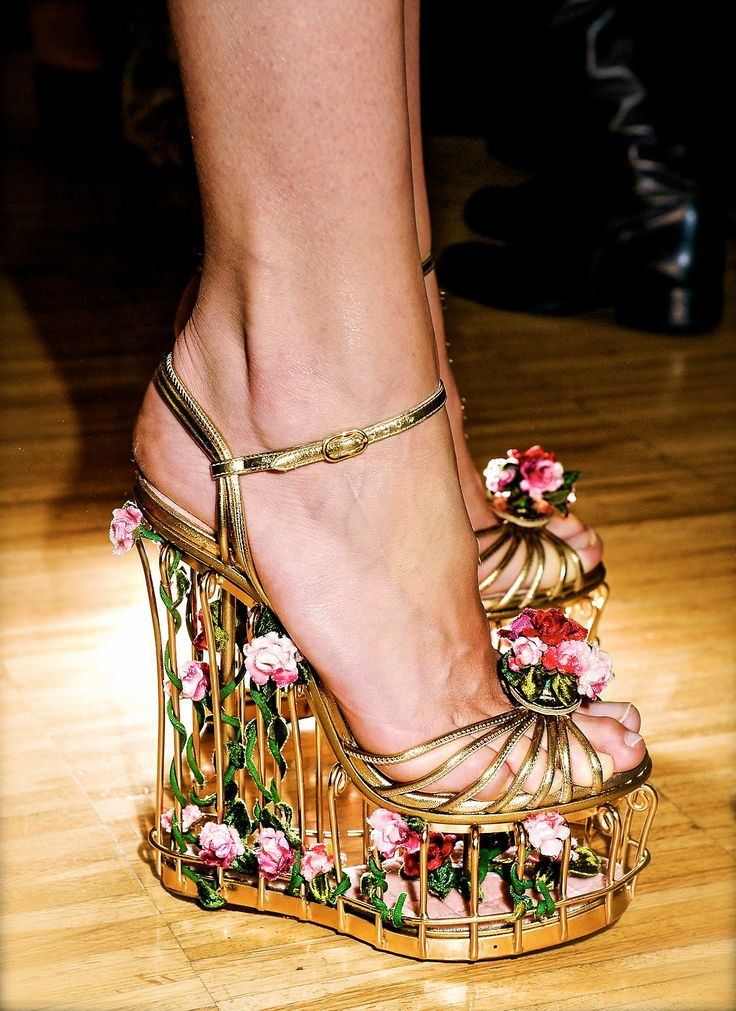 Dolce and Gabbana, model, haute couture, runway, couture, fashion, high fashion, shoes, platforms, high heels, wedges, roses, petals, gold, vines, filigree, vintage, antique, garden, details, embroidery, couturier, princess, fairy tale, Fall 2013,