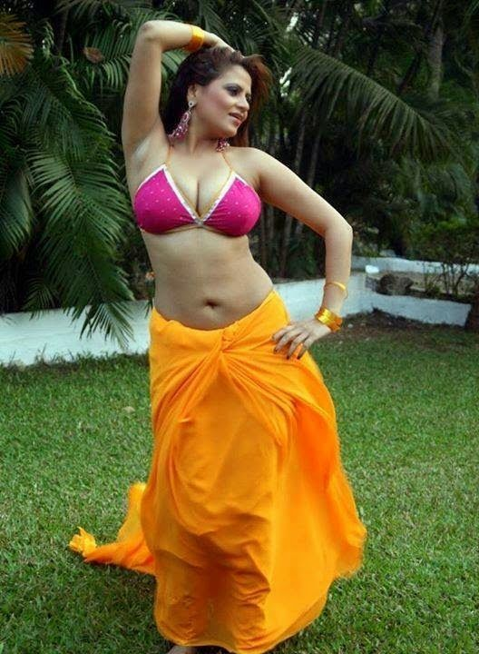 Mallu bhabhi hot nude boobs desi aunty pussy chut photo housewife sex pics