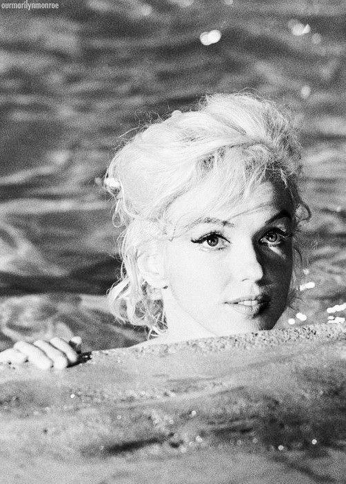 I Marilyn.