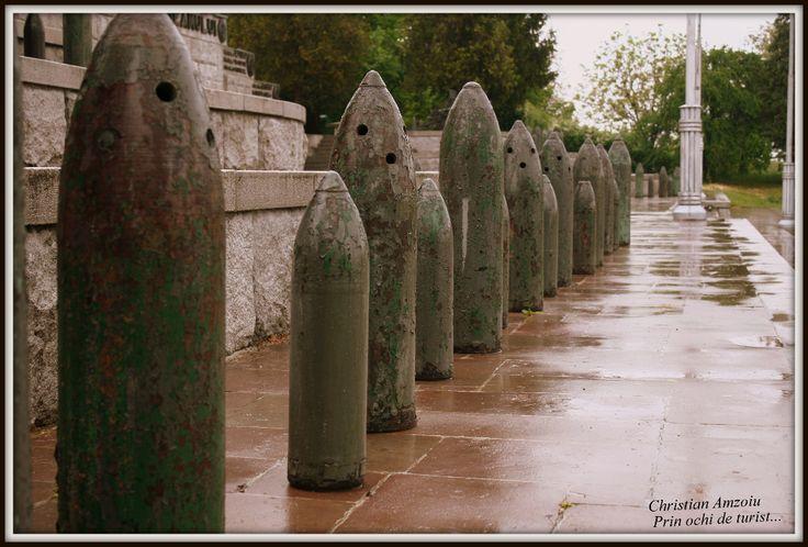 Mausoleul de la Marasesti / The Mausoleum from Marasesti | Calatorind prin tara,