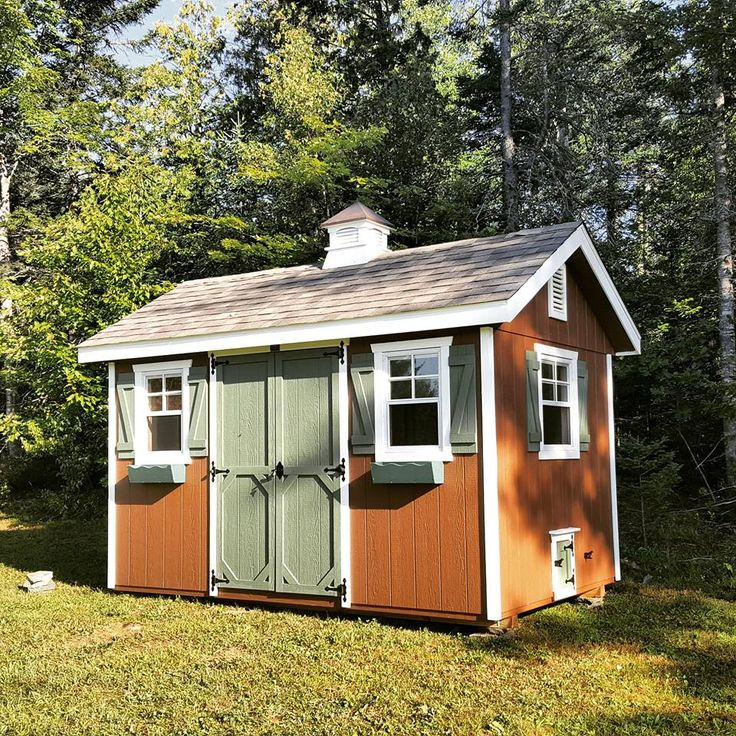 """We are thrilled that author/blogger, Lisa Steele of """"Fresh Eggs Daily"""" chose Horizon Structures for her chicken coop!!!!!"""