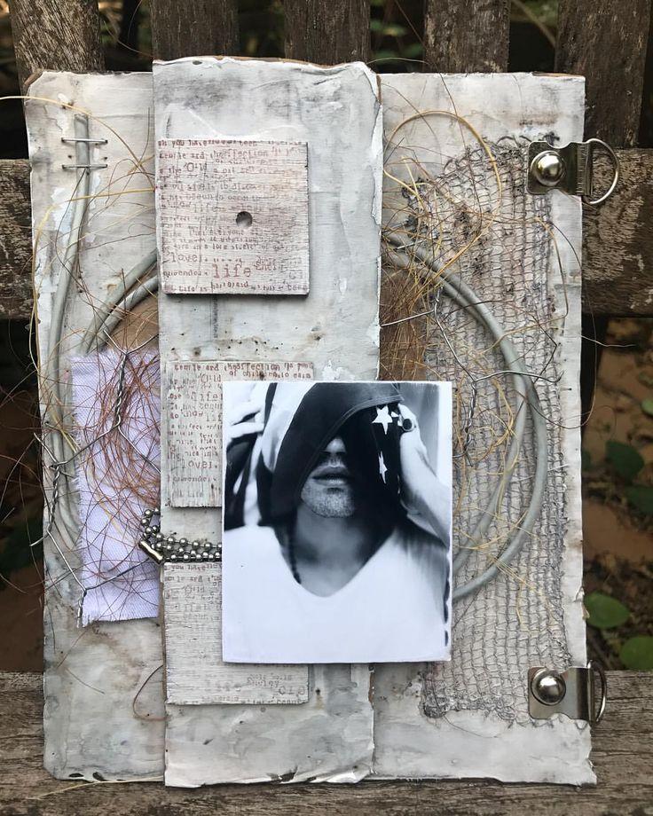 "30 Likes, 5 Comments - @biancabelbar on Instagram: ""Cuadro 20 cm x 16 cm: @mccarya 📷 @vanessaviolaphotos #ryanmccartan #cardboard #recycling #gesso…"""