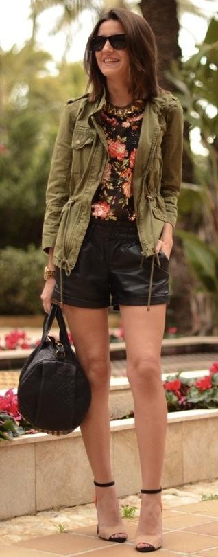 lovely pepa: shorts piel + flores + militar + sandalias