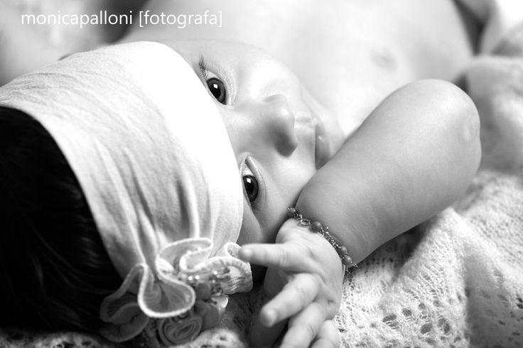 istantatee d'amore  monicapalloni [fotografa] #blackandwhite #love #babygirl #amore #cute #little #piccola #monicapalloni #monicapallonifotografa #photo #foto #photographer #neonata #newlife