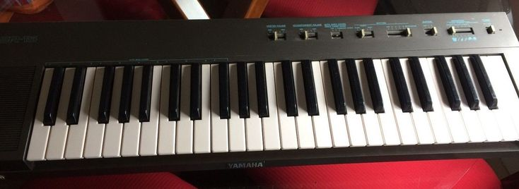 YAMAHA PSR-15 Portable Electric Piano Keyboard AC INCLUDED (Limited Shipping)