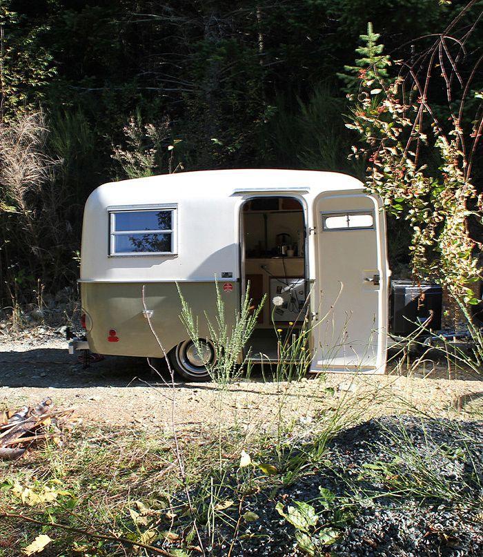 les 107 meilleures images du tableau roulottes ou caravane sur pinterest caravanes vintage. Black Bedroom Furniture Sets. Home Design Ideas