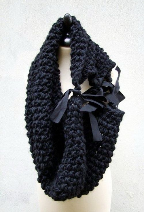 Neck-Warmer. Super chunky yarn and ribbon ties. Keep it all the same color and go wild with the color of the ribbon.