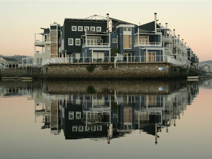 Anka's Villa T15 - Anka's Villa is one of the best located apartments on the Thesen Marina, with a spectacular view over the Knysna Lagoon and Thesen Harbour Town with its stunning restaurants and the water canals.   Enjoy ... #weekendgetaways #knysna #southafrica