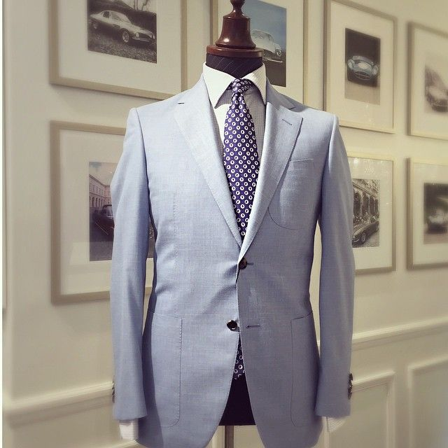 A beautiful pastel blue linen jacket tailored by Working Style Creative Director, Eddie von Dadelszen.  #linen #tailored #menswear #madetomeasure #tailormade