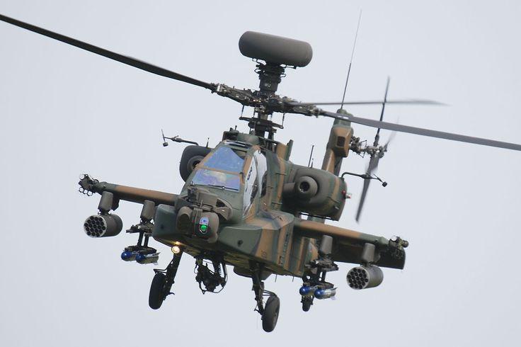 AH-64D アパッチ・ロングボウ  全長:17.76m 全高:4.95m(FCR頂部まで) 回転円盤面積:168.1m² 空虚重量:5,352kg 設計ミッション総重量:8,006kg 最大離陸重量:10,107kg GE製 T700-GE-701C ターボシャフト×2 エンジン推力:1,409kW 超過禁止速度:197kt/364.8km/h 水平速度:149kt/276km/h 上昇率:541m/min ホバリング高度限界:4,172m(地形効果内)/2,889m(地形効果外) 航続距離:490km(機内燃料のみ)/1,896km(フェリー時) 乗員:2名(前席:射撃手兼副操縦士/後席:操縦士)