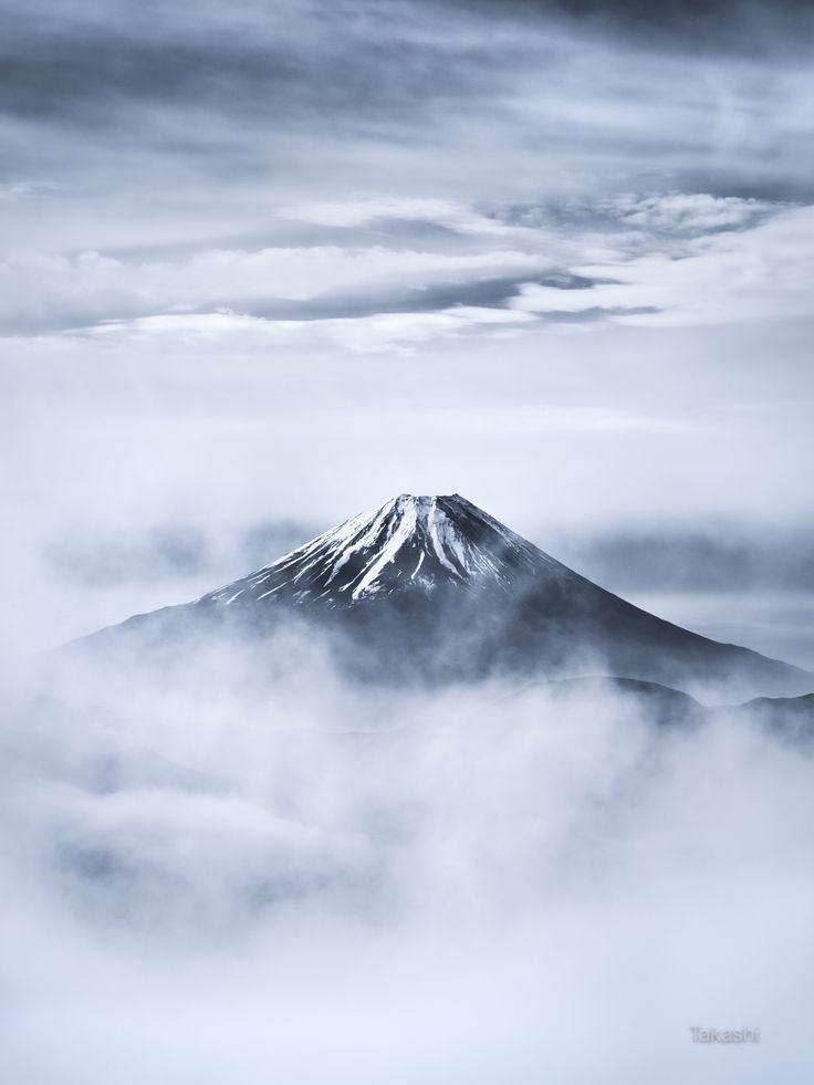 Fuji in Wolken. Der Moment, dass Mt Fuji erschien,…