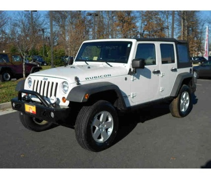 Need and will have one of these one day! <3 Jeep Unlimited Rubicon. In white.