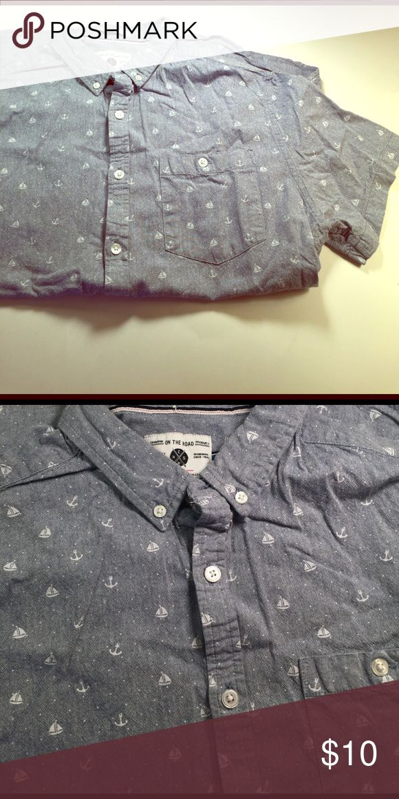 On the Road button down short sleeve dress shirt Button down short sleeve blue dress shirt that has anchors and sailboats printed all over the shirt. It's a slim fit shirt. One pocket in front. Great condition. 100% cotton. Shirts Dress Shirts