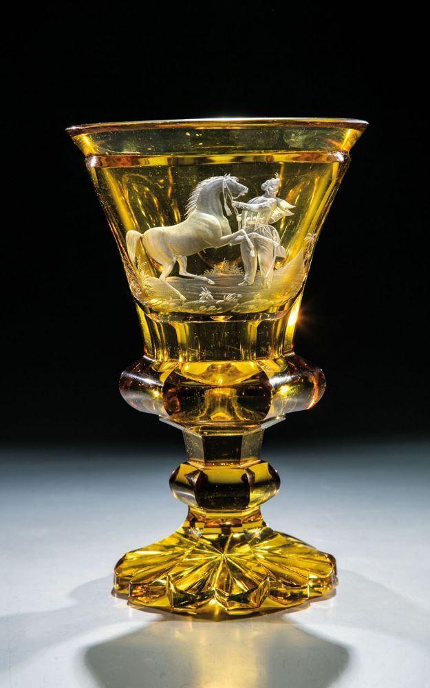 Pokal mit Osmane und PferdFranz Hansel, Rodowitz, um 1840 Farbloses, sechsfach facettiertes, bernste