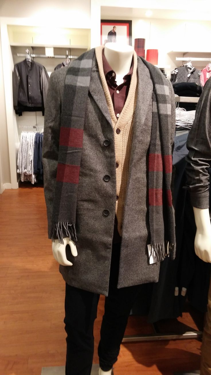 Mannequin styled in the gap outlet store in north bend wa november 2015