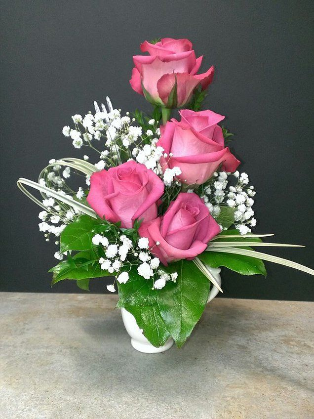 1000 images about miniature flower arrangement ideas on for Small rose flower arrangement