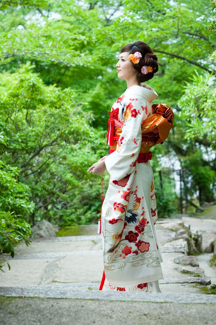 梅に鶴 引き振袖