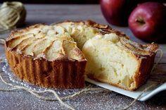 TORTA DI MELE E MASCARPONE La Torta di Mele e Mascarpone si prepara in pochissimi Minuti! Non c'è bisogno di alcun macchinario ma solo di una ciotola, un c