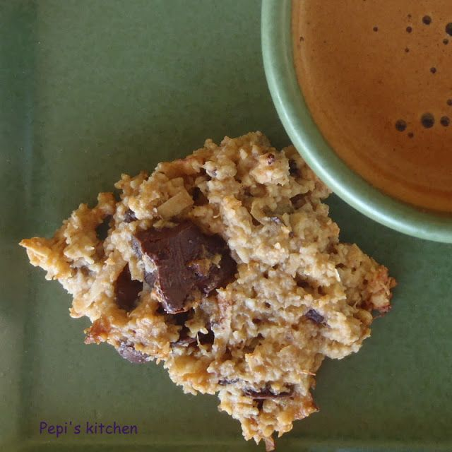 Pepi's  kitchen: Cookies με μπανάνα, βρώμη και σοκολάτα