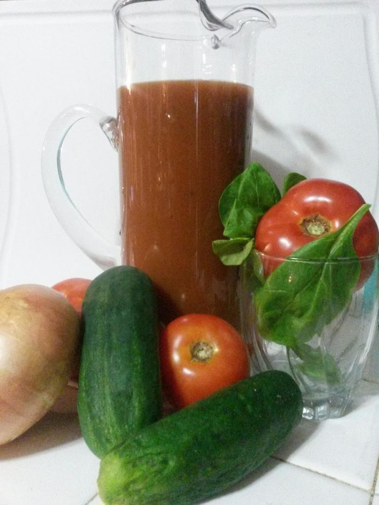 Homemade CopyKat V8 Juice (Spicy and Non-Spicy)