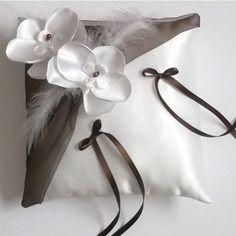Coussin porte alliances,mariage, blanc(ou ivoire) et marron chocolat