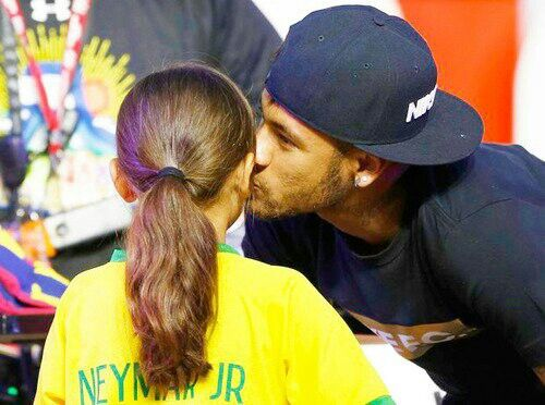 Neymar and a very lucky fan...well jealous of this lucky girl tho