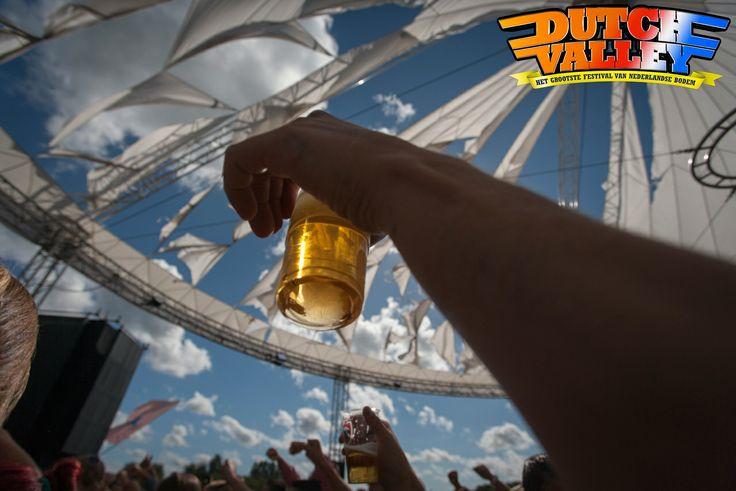 Vorig jaar was Dutch Valley stijf uitverkocht, dus wees er daarom snel bij!   Reguliere tickets voor Dutch Valley zijn op onze website verkrijgbaar. http://www.dutchvalleyfestival.nl/