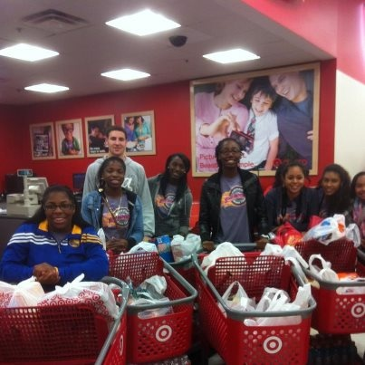 Klay Thompson teamed up with local children's charity Good Tidings Foundation to provide the Eastside College Preparatory School Girls Basketball Team with food and equipment this holiday season