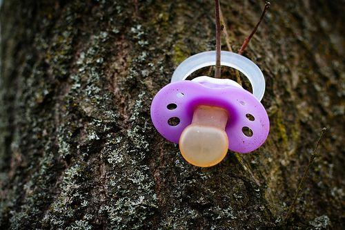 Joscarlyn Soto, Odontopediatra, nos comenta sobre el uso del chupón y los hábitos de succión en los niños.