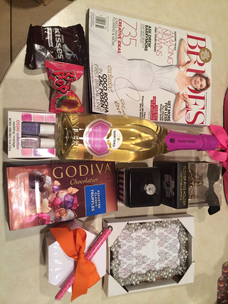 Wedding Gift Basket Notes : Best images about Gift Baskets on Pinterest Engagement gift baskets ...