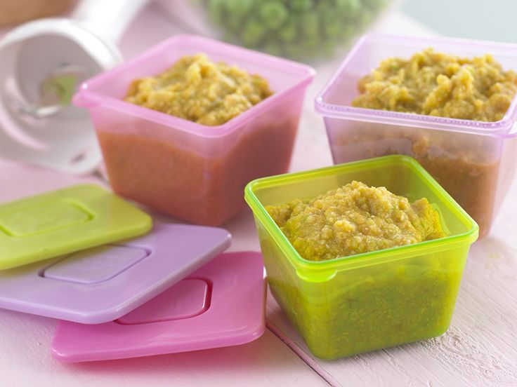 Easy One Pot Chicken - Frozen vegetables are fine. For older babies finely chop rather than puree this and mix it with some cooked rice.