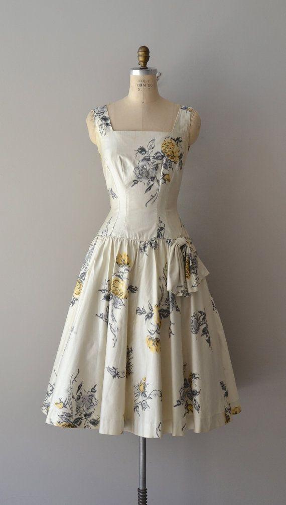 ~1950s dress~ white roses blue black