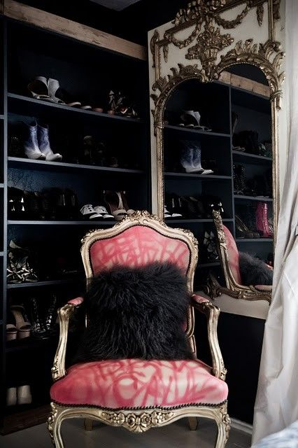 Black and Pink: Mirror, Dreams Closet, Pink, Antiques Chairs, Dresses Rooms, Design Home, Shoes Closet, Black Wall, Pillows