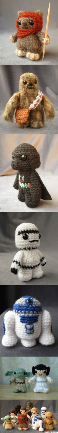 Hand-knitted Star Wars characters.  These are SOO freaking cute!!  :D
