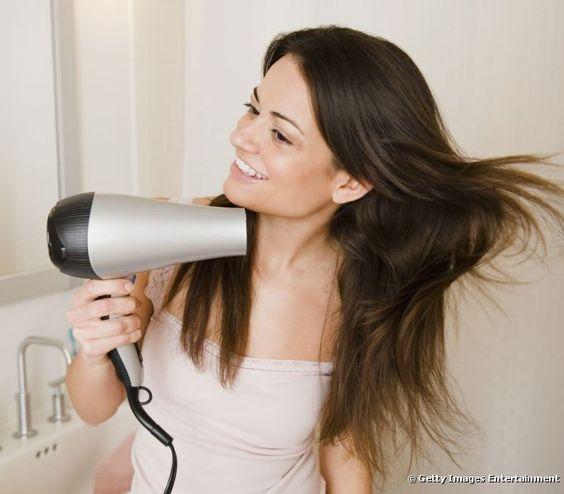Bad Hair Day?: Conheça os hábitos que estão a estragar o seu cabelo. #Bad #Hair #Day? #Conheça os #hábitos que estão a #estragar o seu #cabelo | #saudável #sedutor #cuidados #diários #hábitos #TrendyNotes #deixar de #estragar o seu #cabelo e torná-lo #mais #saudável e #brilhante #secar #cabelo