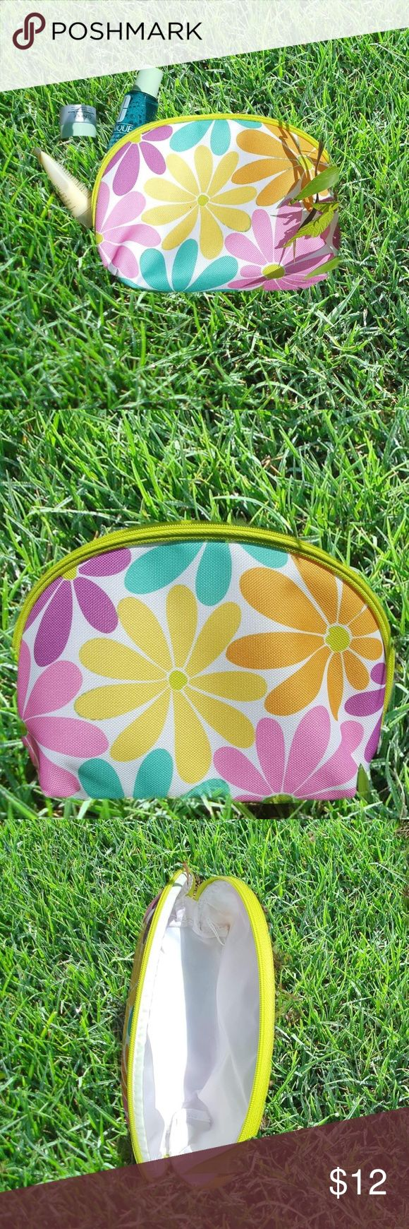 NWOT Clinique cosmetic bag Funky and fun! Cute retro